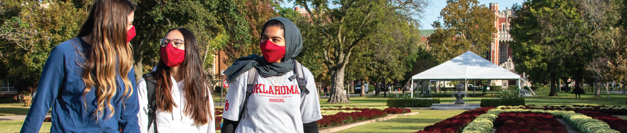 Students in masks on South Oval