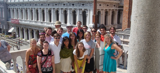 Entrepreneurship classes; business trips to Ducati, Ferrari; visit Rome, Florence, and Venice; spend time in Tuscany, discover the Italian culture and art.